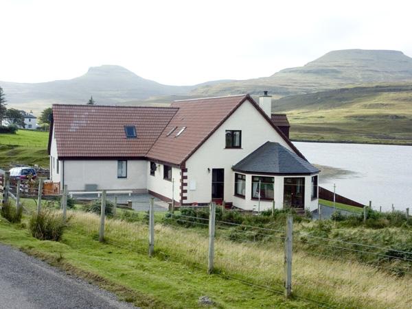 Lochside Cottage, Dunvegan