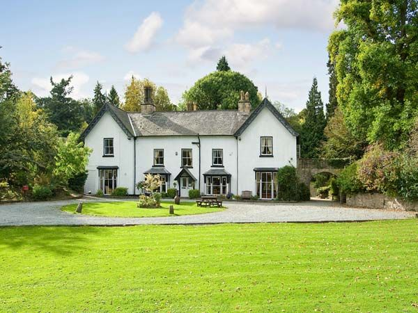 Brookside manor house bronygarth pentre newydd self for Brookside cottages