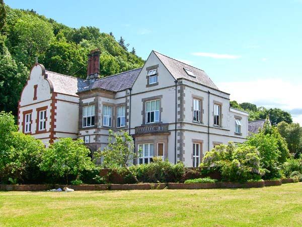 Tan Y Graig Hall | Pentraeth | Self Catering Holiday Cottage