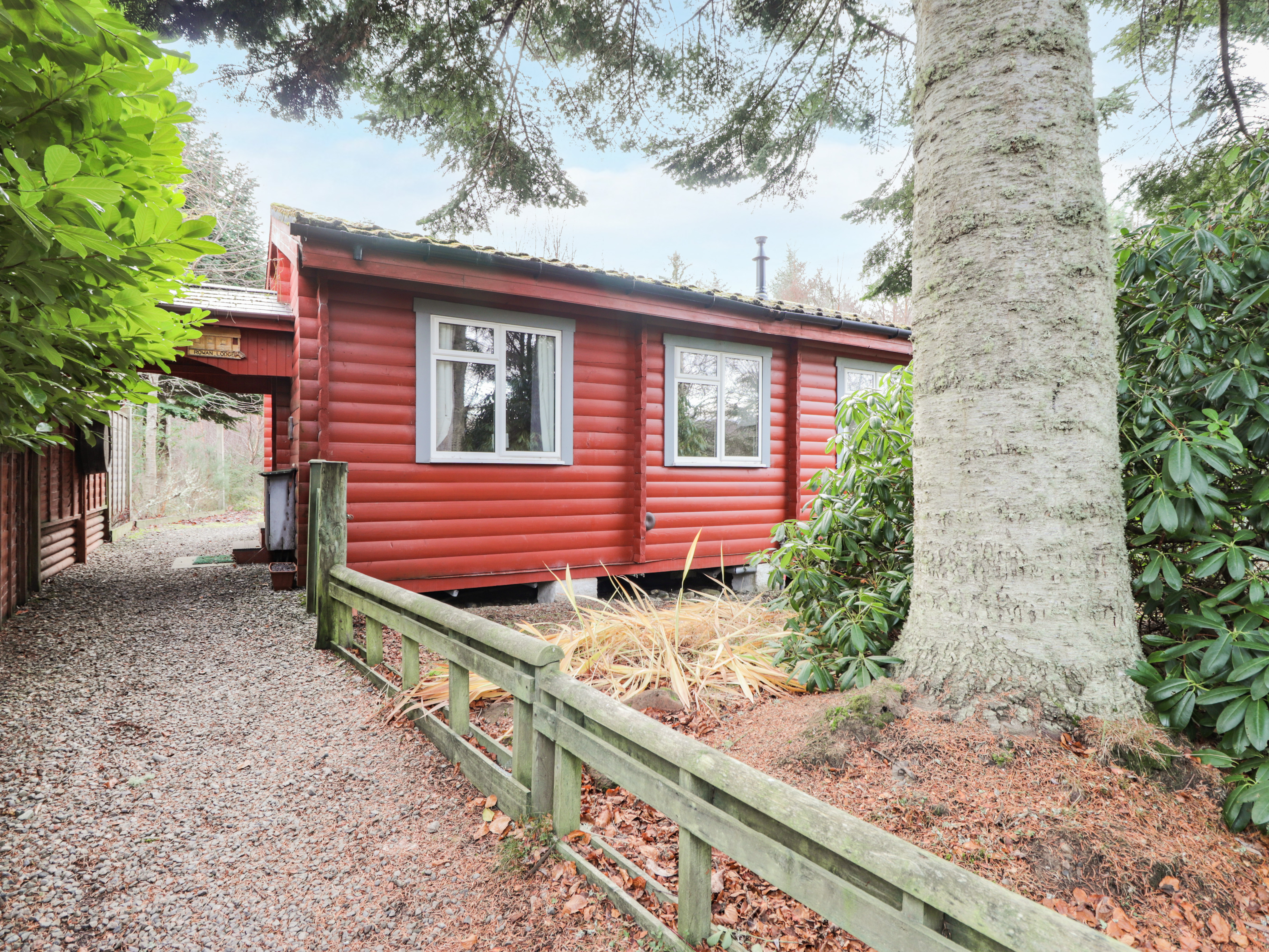 Loch ness cottages affric and the black isle walkhighlands for Glen haven co cabin rentals